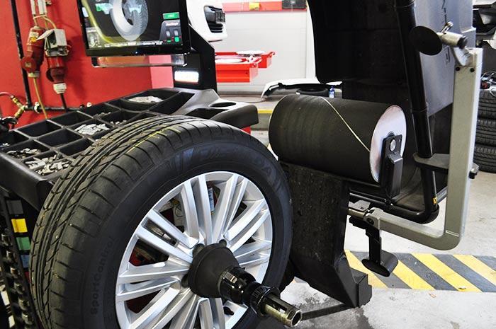Centriranje pnevmatike, Avtocenter KBM Zagorje